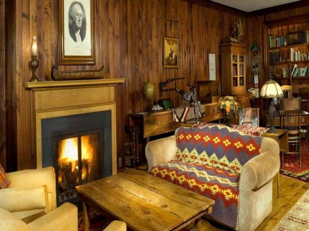 Stunning Italian Rustic Decor Ideas For Your Living Room 03