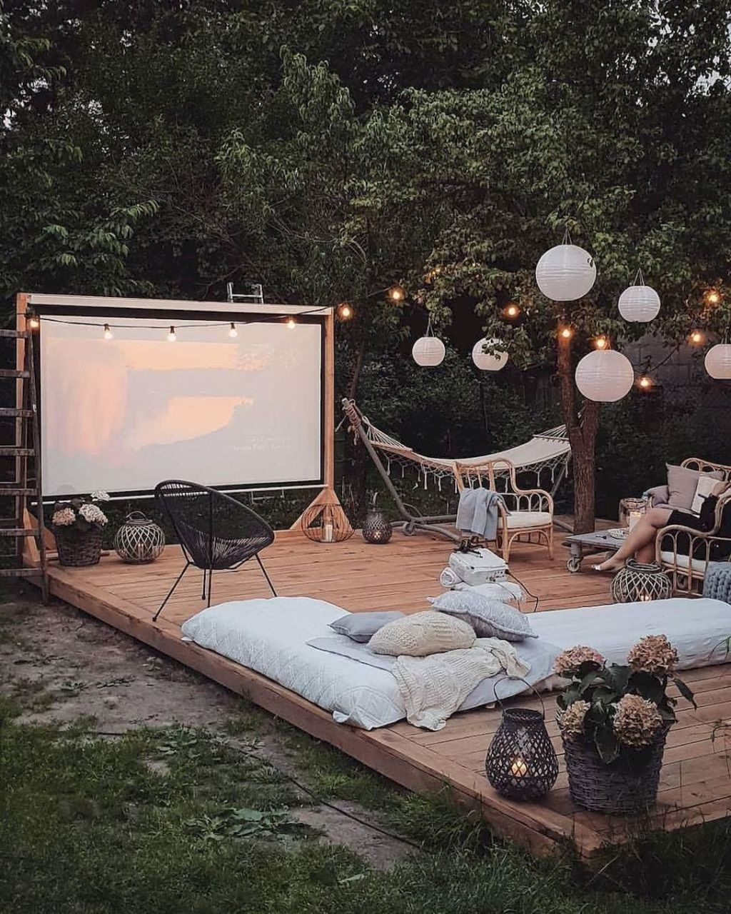 The Best Backyard Summer Party Decorating Ideas 14