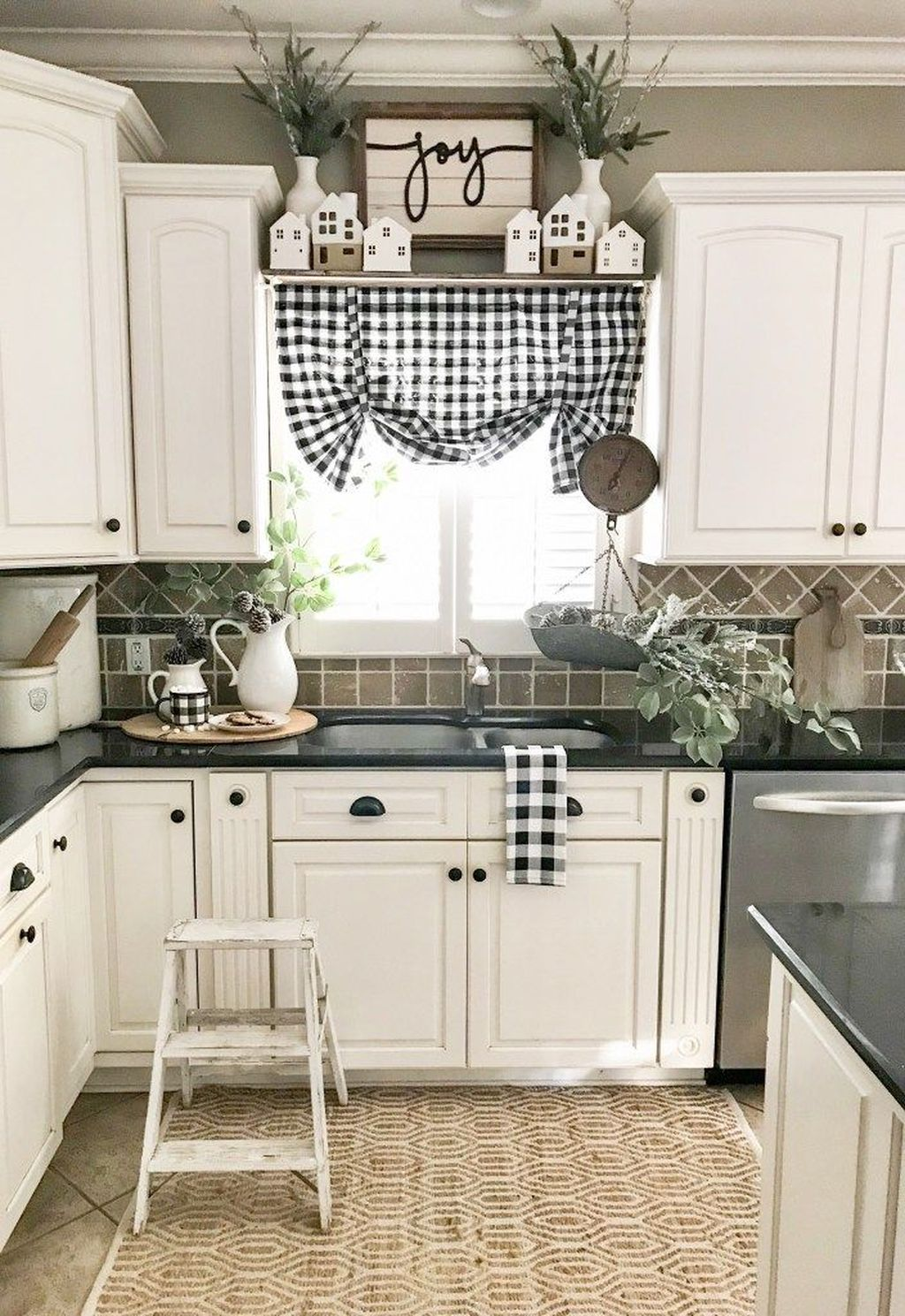 The Best Farmhouse Kitchen Decor Ideas 15
