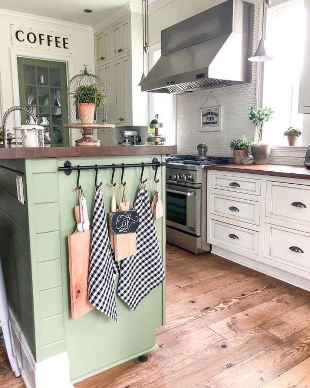 The Best Farmhouse Kitchen Decor Ideas 19