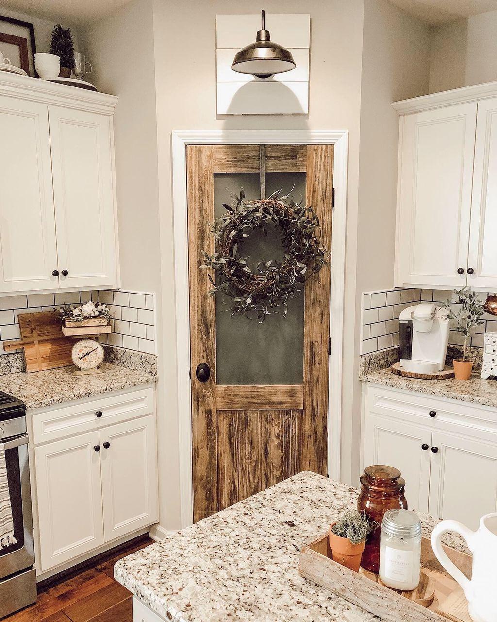 The Best Farmhouse Kitchen Decor Ideas 27