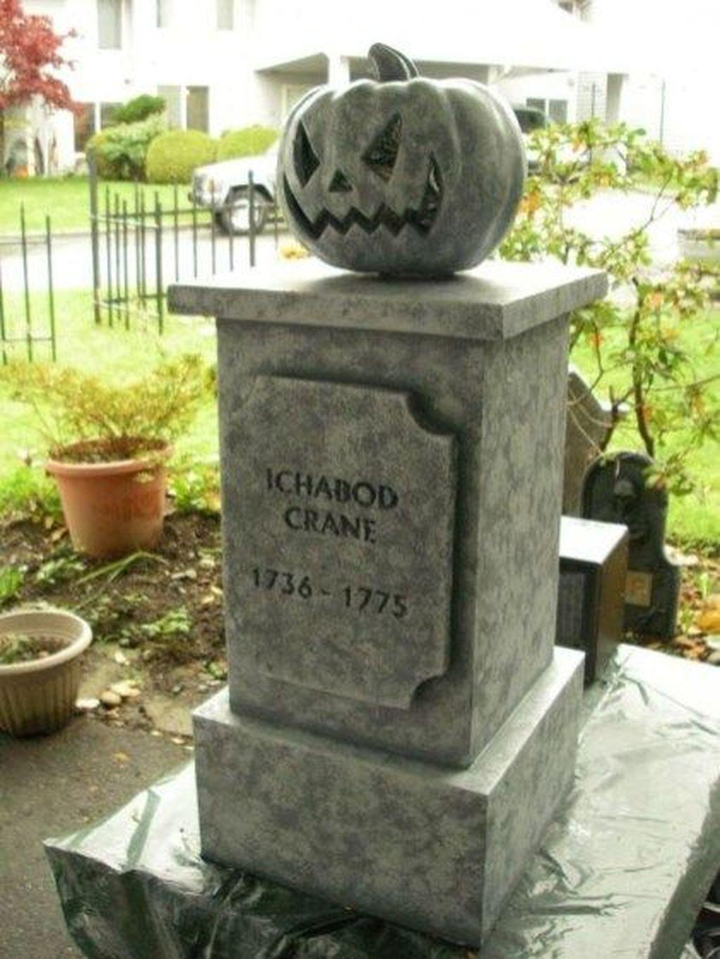 The Best Halloween Garden Decor Ideas 05