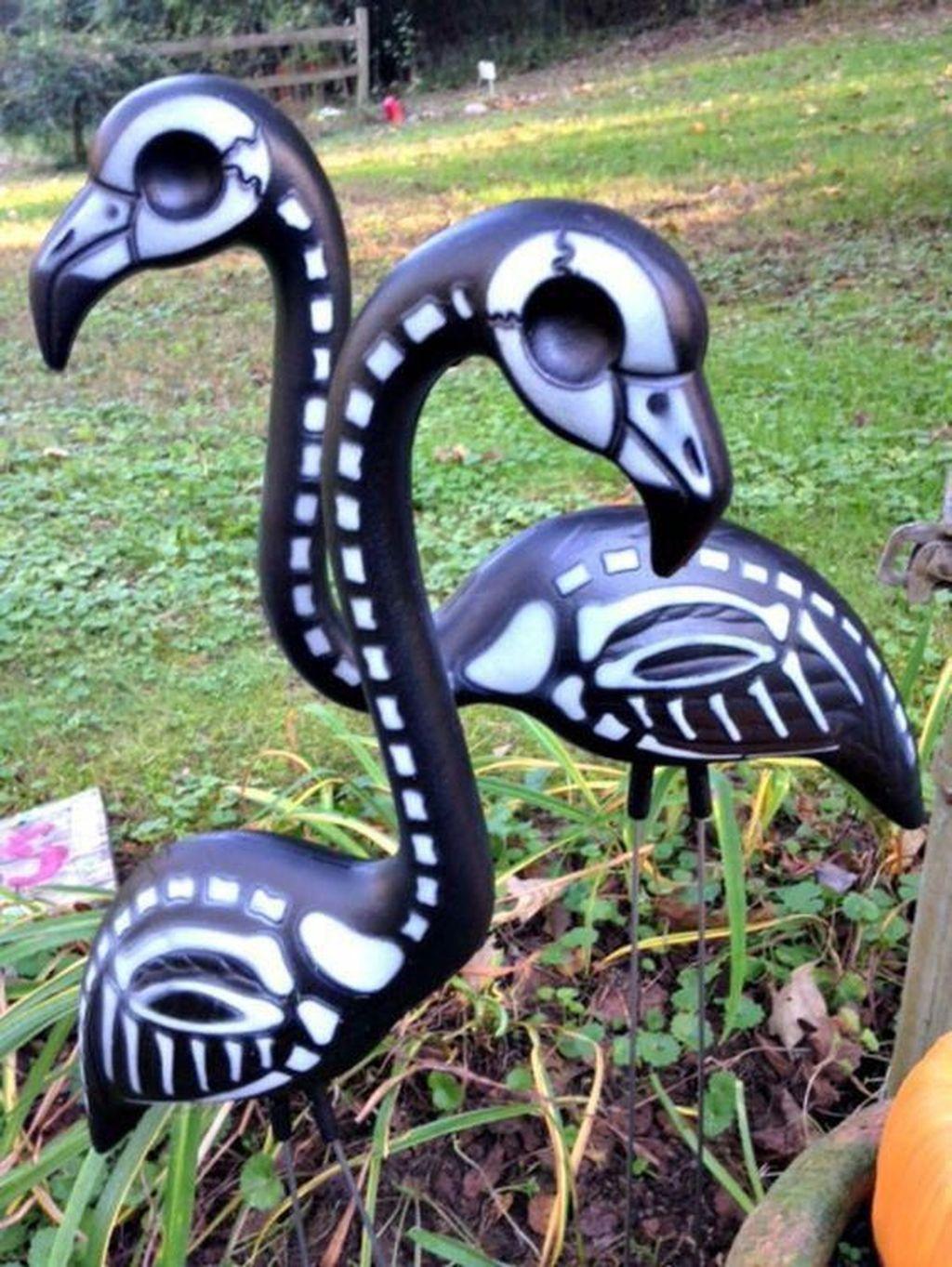 The Best Halloween Garden Decor Ideas 13