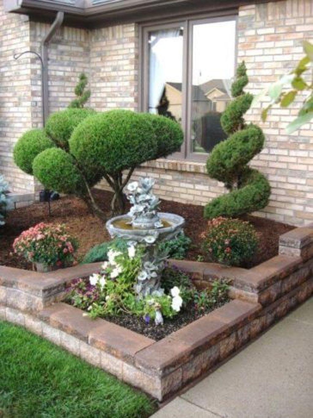 Wonderful Evergreen Landscape Ideas For Front Yard 17