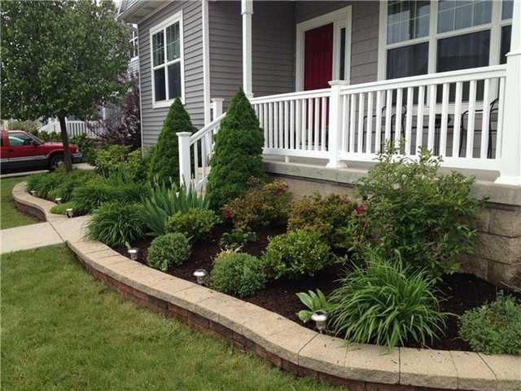 Wonderful Evergreen Landscape Ideas For Front Yard 27