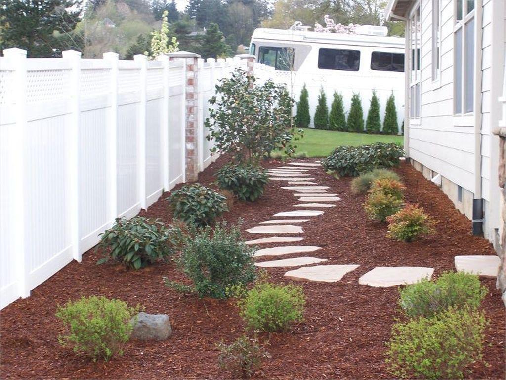Wonderful Yard No Grass Design Ideas 01