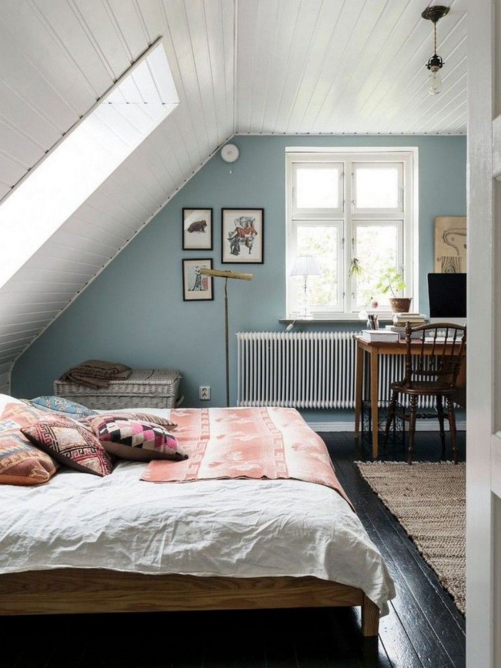 Amazing Attic Bedroom Design Ideas That You Will Like 02