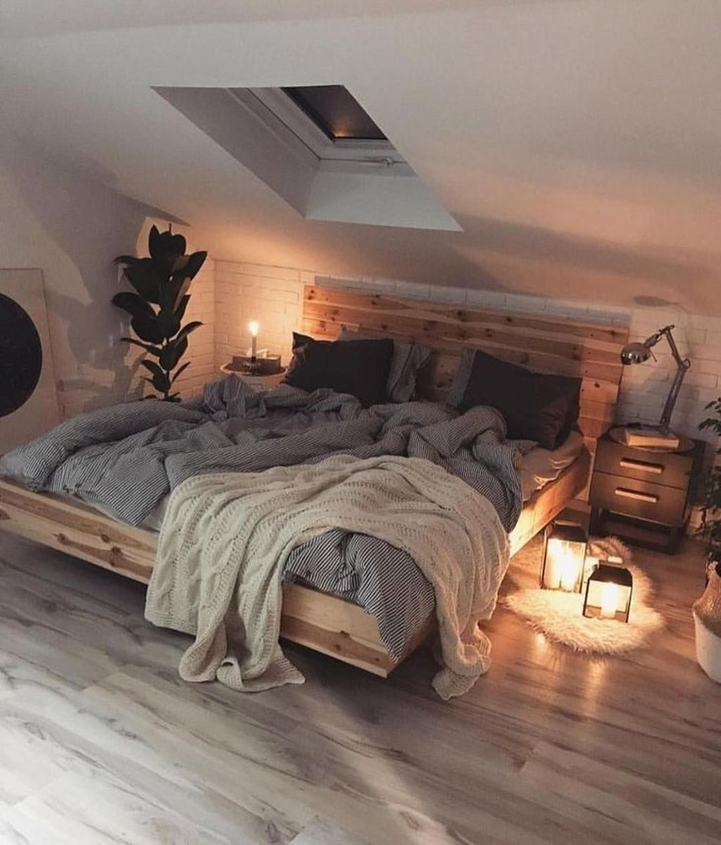 Amazing Attic Bedroom Design Ideas That You Will Like 32