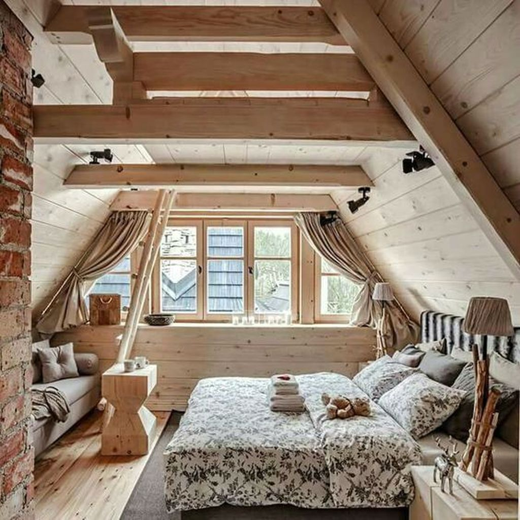 Amazing Attic Bedroom Design Ideas That You Will Like 37