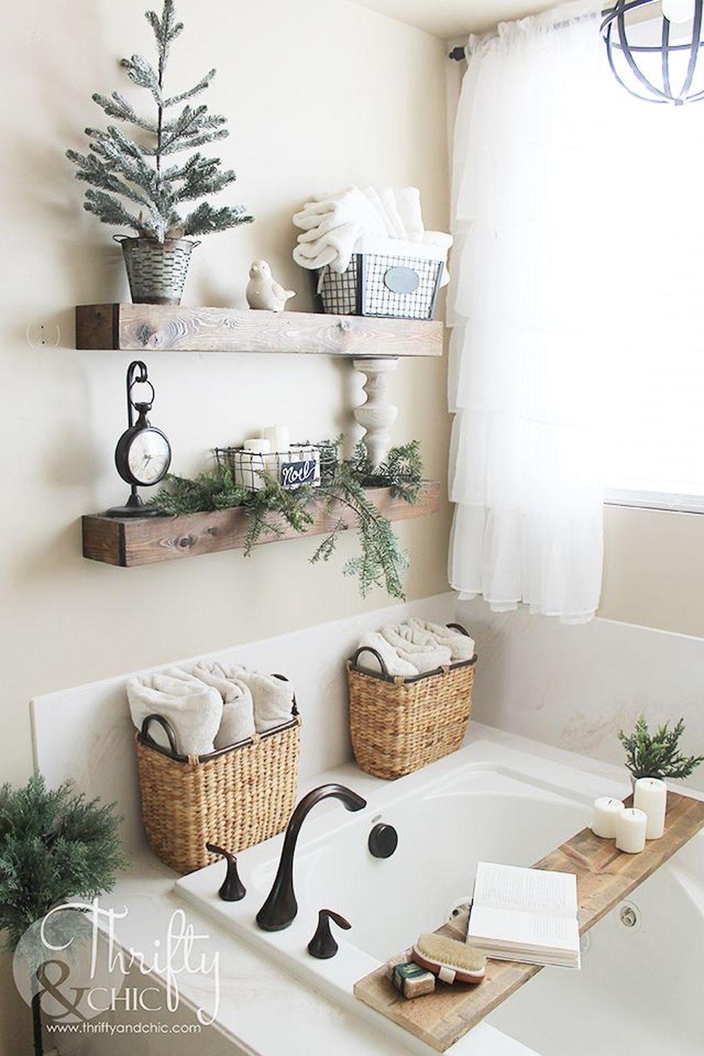 Amazing Farmhouse Bathroom Decor Ideas 04