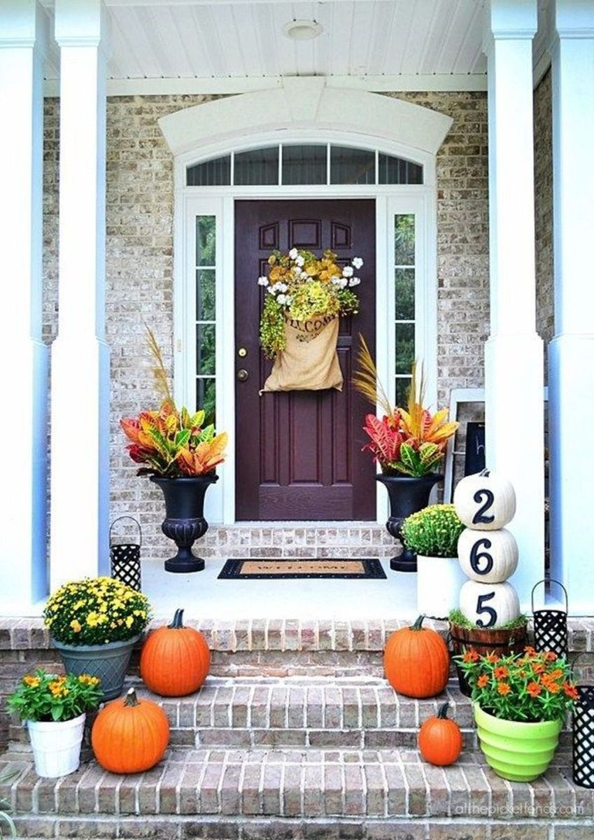 Amazing Front Porch Fall Decor Ideas That You Never Seen Before 03