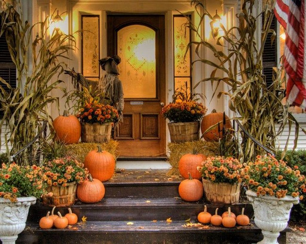 Amazing Front Porch Fall Decor Ideas That You Never Seen Before 06