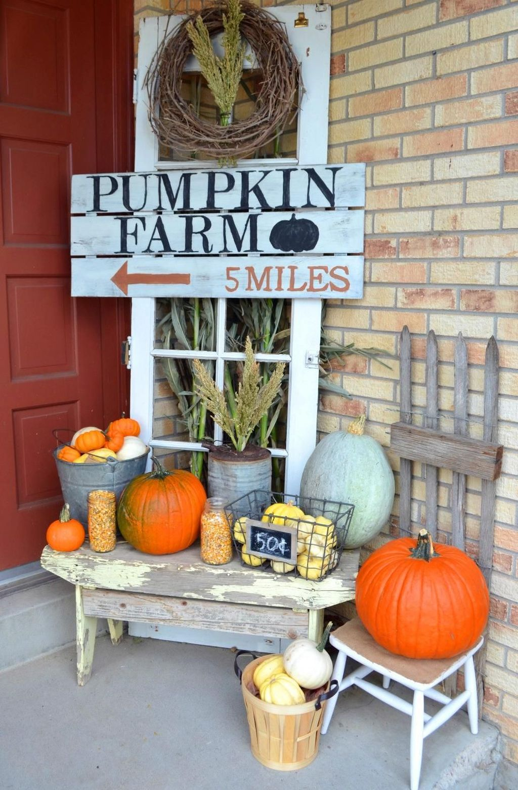 Amazing Front Porch Fall Decor Ideas That You Never Seen Before 08