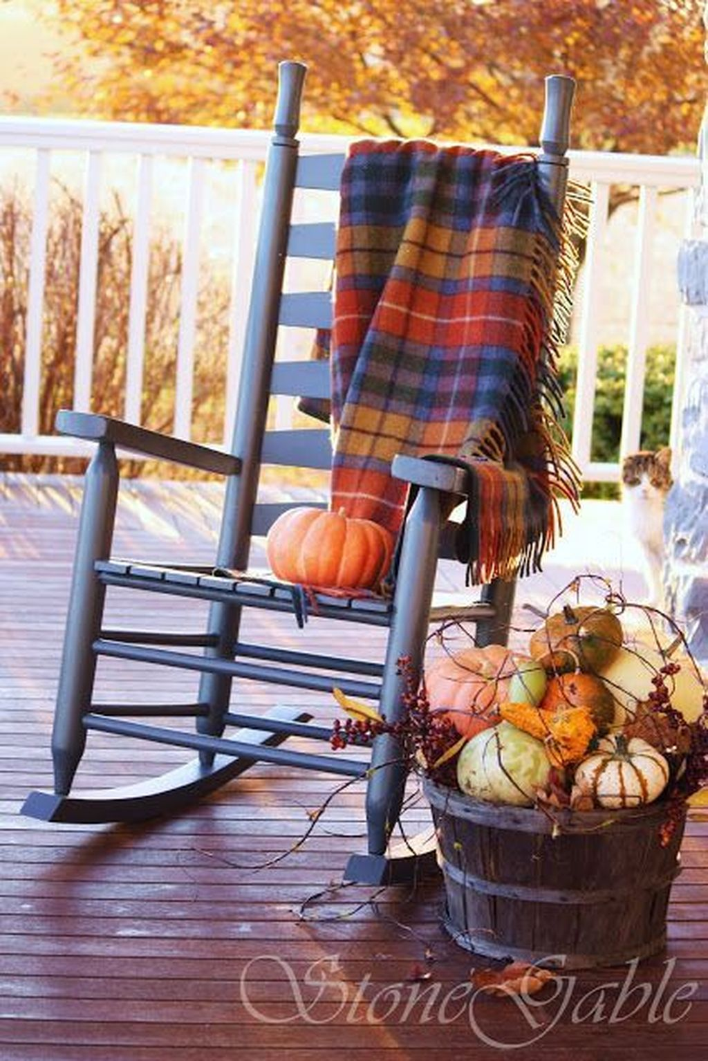 Amazing Front Porch Fall Decor Ideas That You Never Seen Before 12