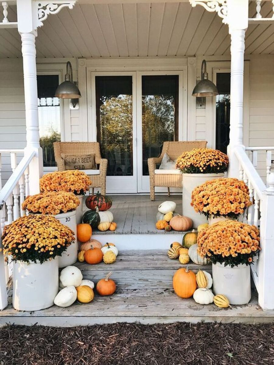 Amazing Front Porch Fall Decor Ideas That You Never Seen Before 18
