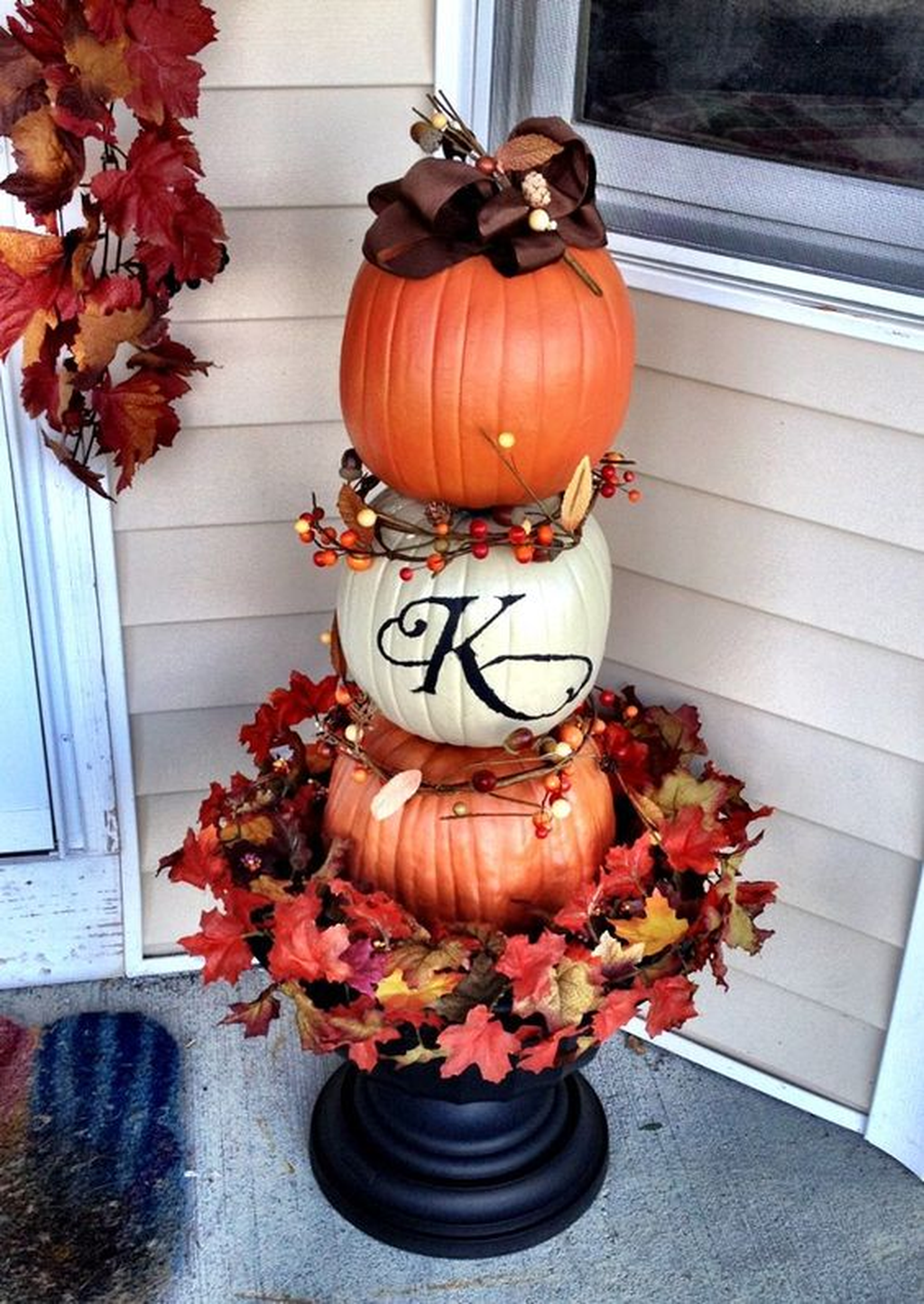 Amazing Front Porch Fall Decor Ideas That You Never Seen Before 31
