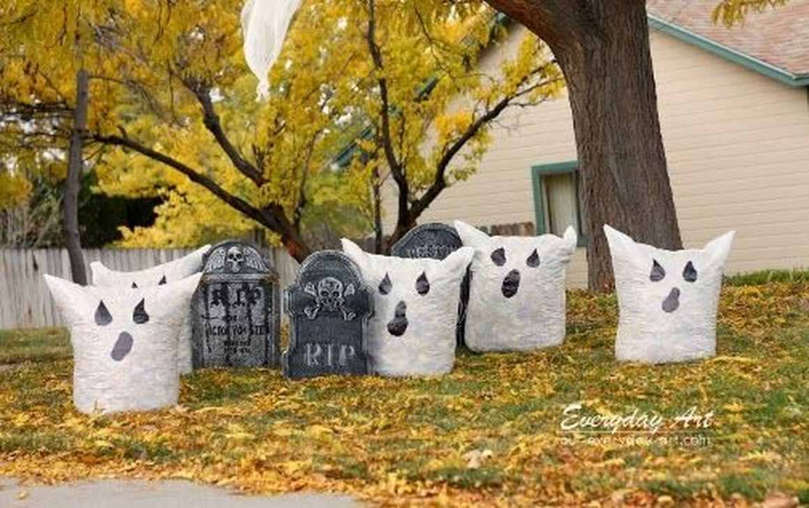 Awesome Halloween Backyard Party Decorations Ideas 01
