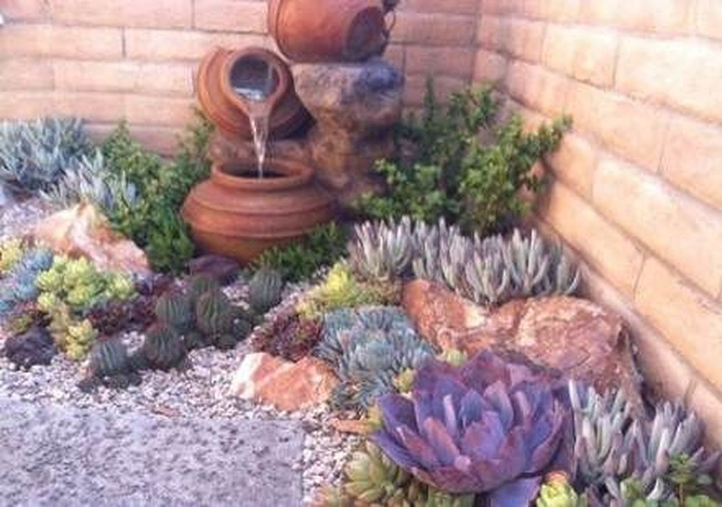 Beautiful Cactus Landscaping Ideas For Your Front Yards Decor 08