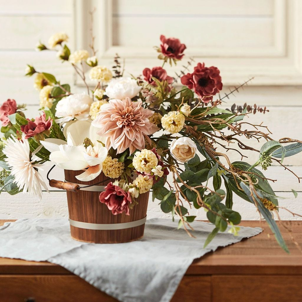 Beautiful Fall Flower Arrangement Design Ideas For Living Room Decor 01