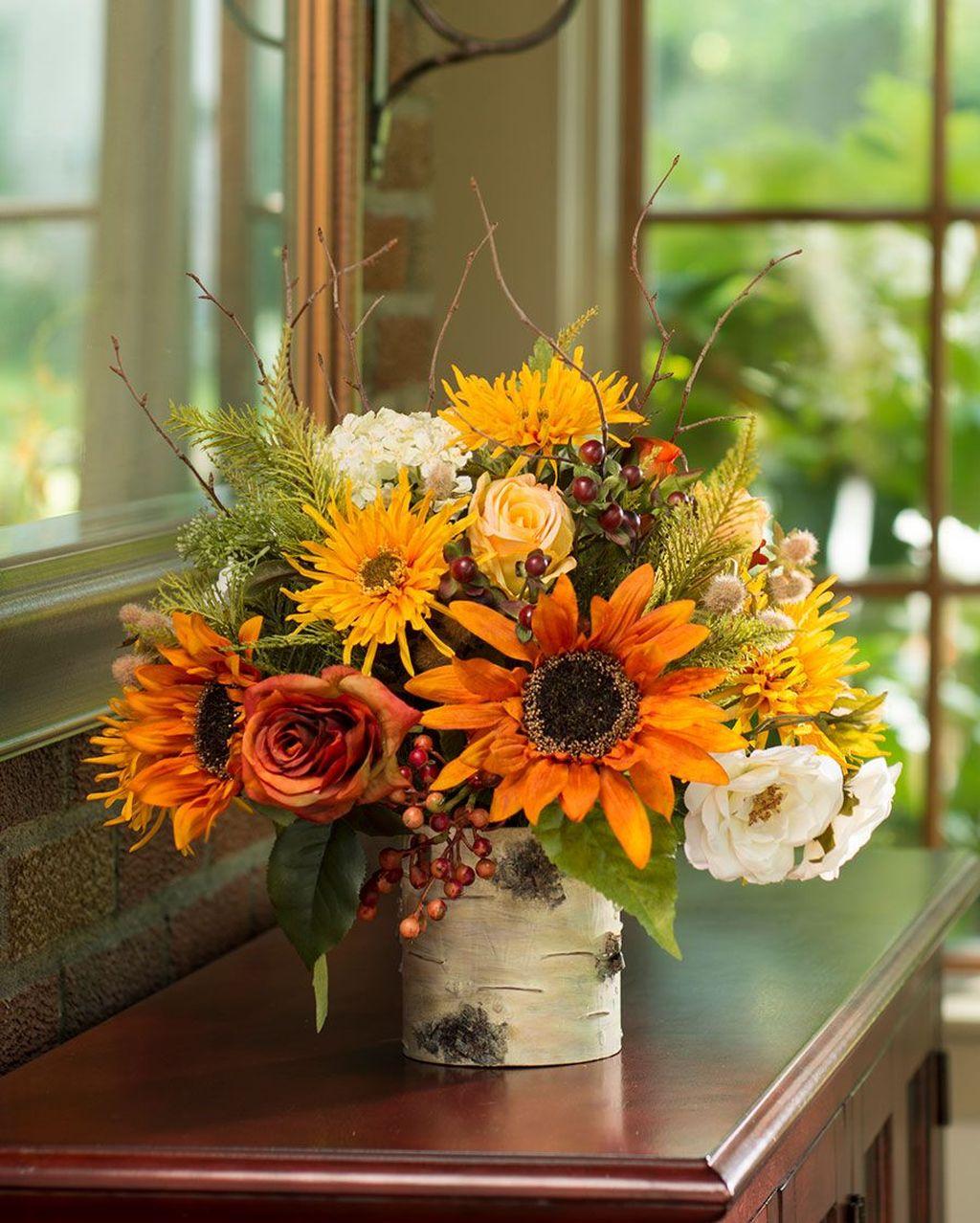 Beautiful Fall Flower Arrangement Design Ideas For Living Room Decor 06