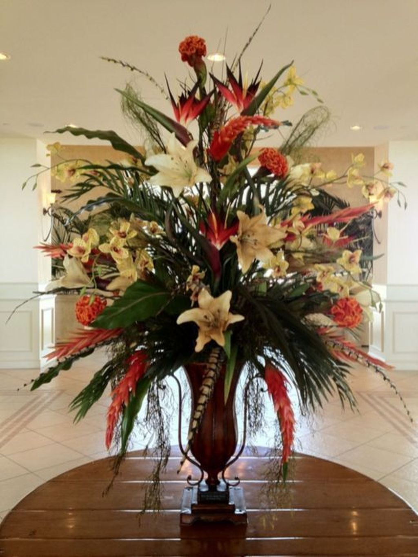 Beautiful Fall Flower Arrangement Design Ideas For Living Room Decor 19