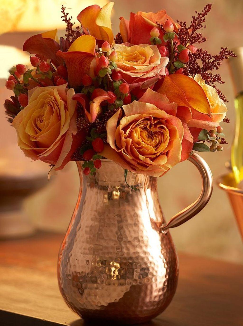 Beautiful Fall Flower Arrangement Design Ideas For Living Room Decor 31