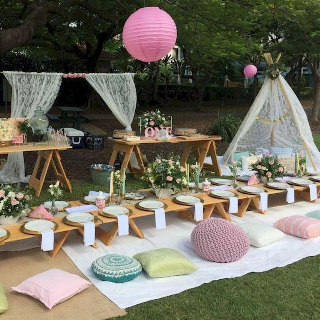 Fabulous Fall Backyard Party Decorations Ideas 17