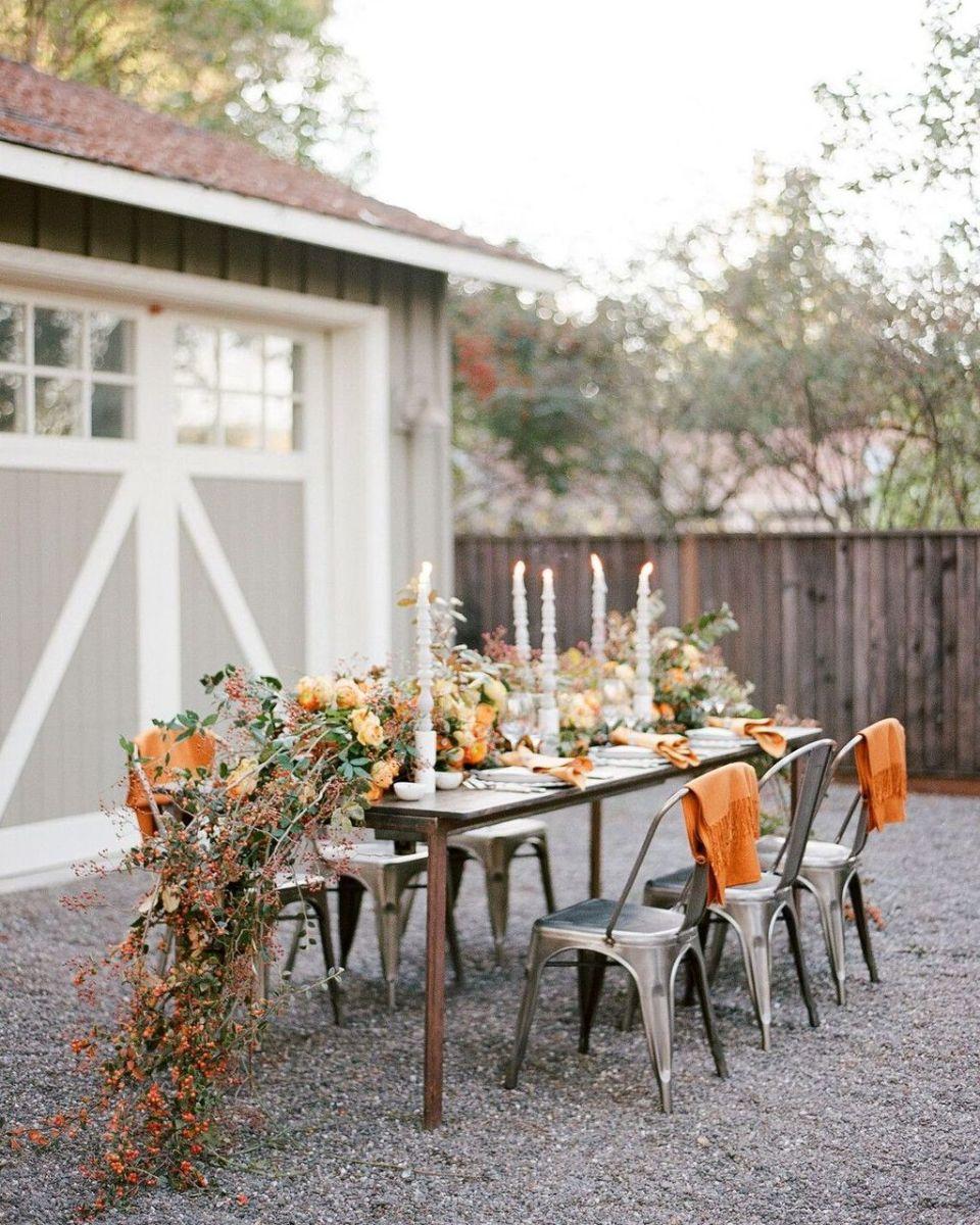 Fabulous Fall Backyard Party Decorations Ideas 28