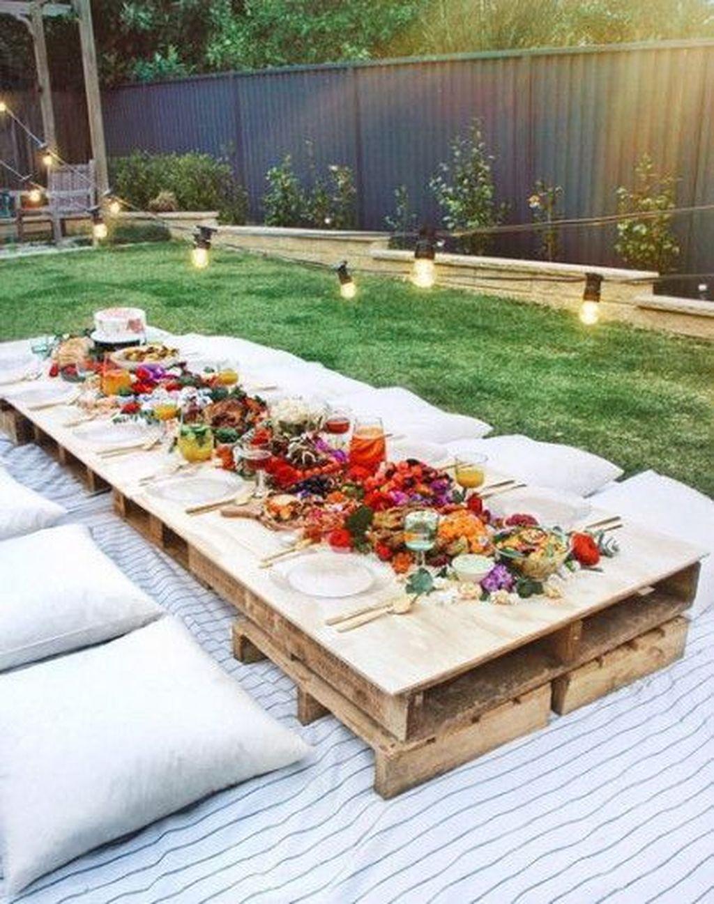 Fabulous Fall Backyard Party Decorations Ideas 32