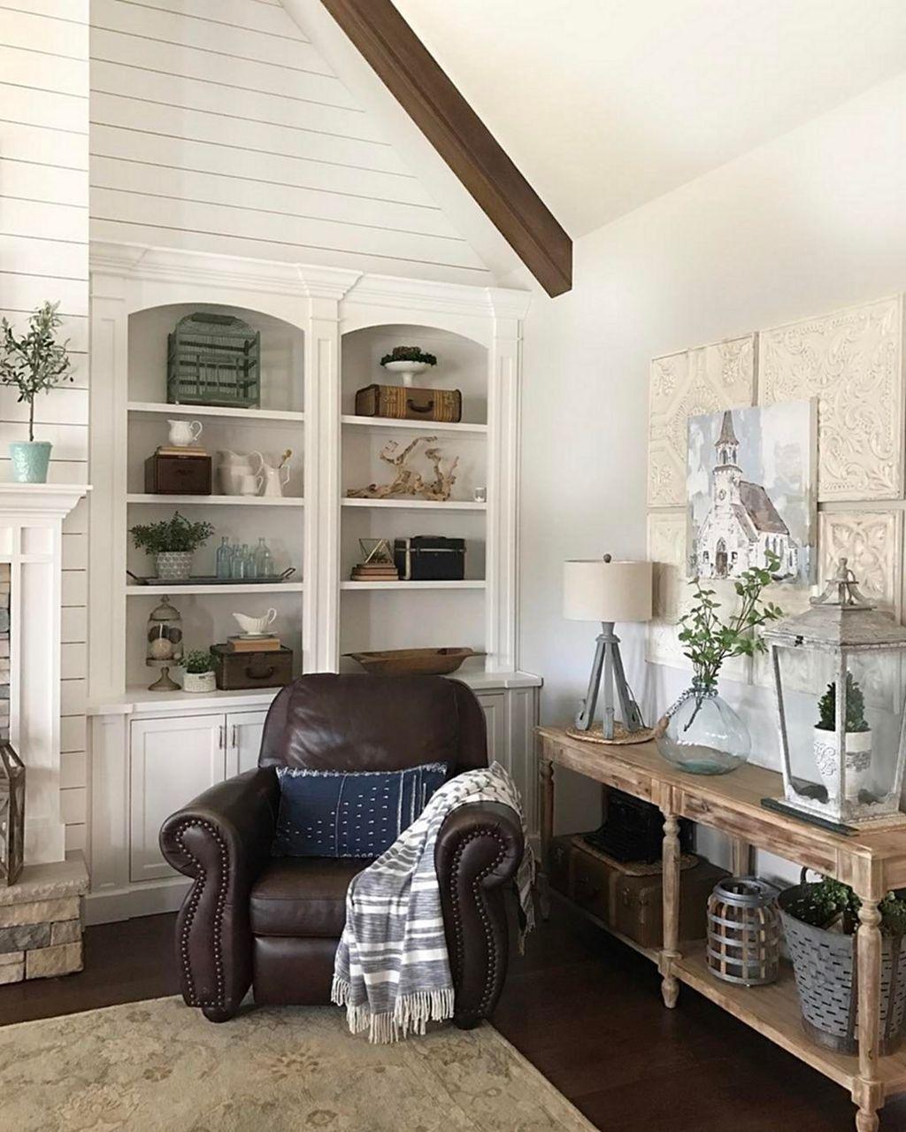 Gorgeous Vintage Farmhouse Office Decorating Ideas 01