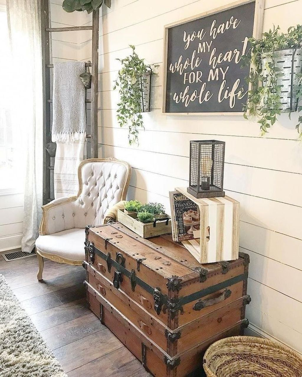 Incredible Rustic Farmhouse Living Room Design Ideas 29