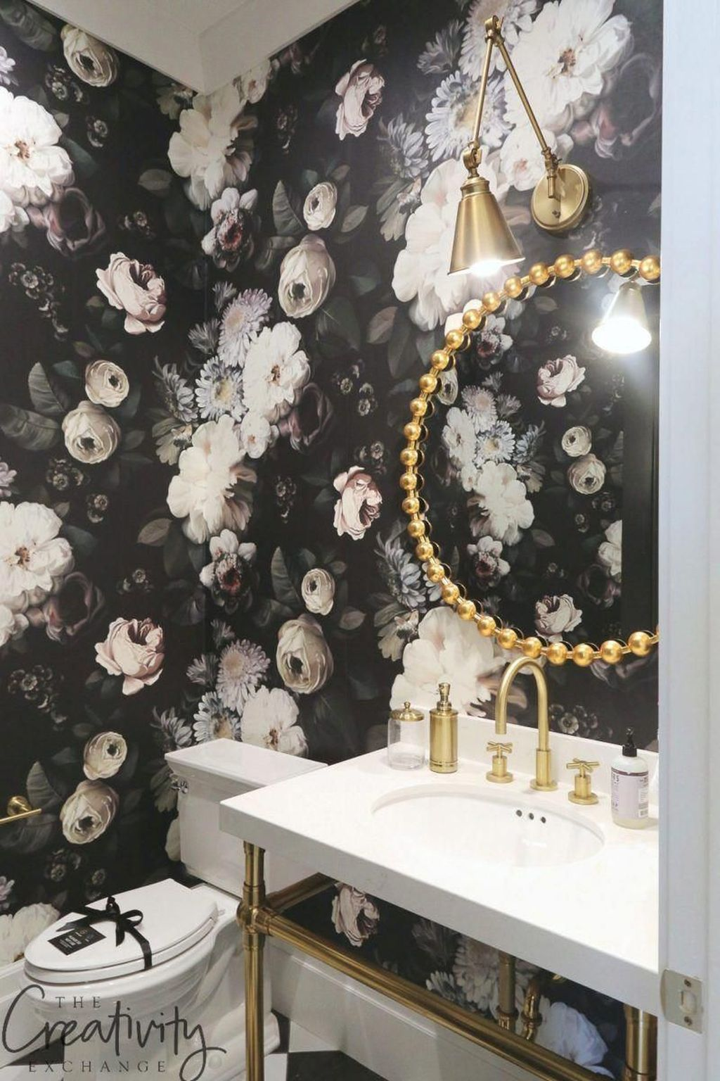 Inspiring Black Powder Room Design Ideas With Modern Style 04