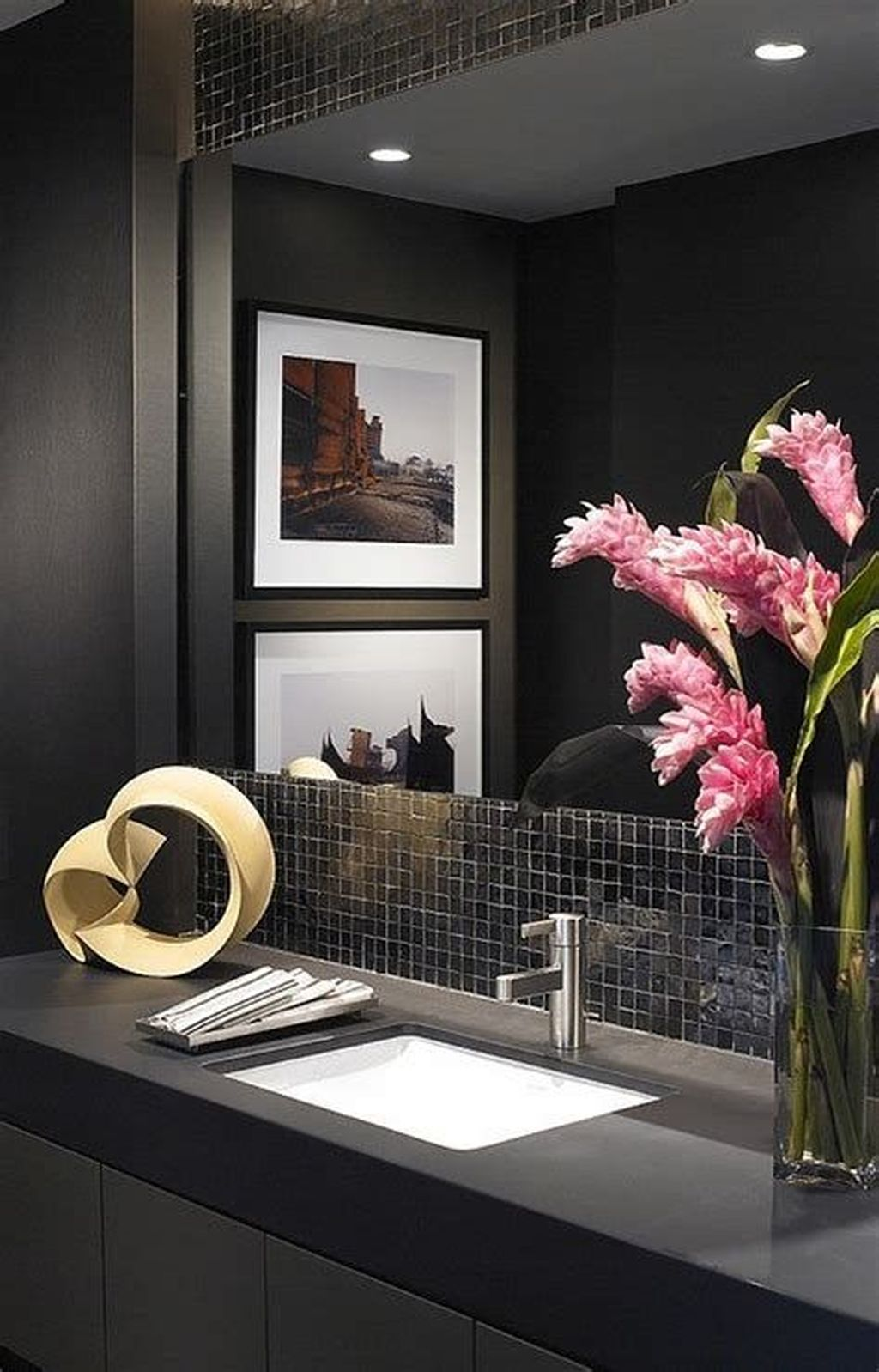 Inspiring Black Powder Room Design Ideas With Modern Style 21