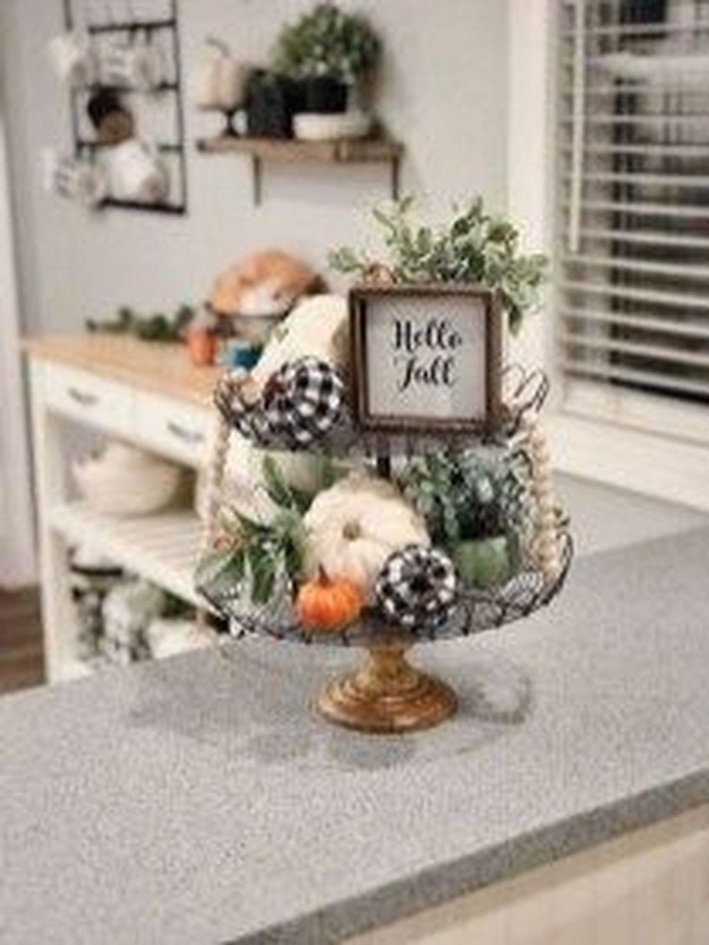 Inspiring Fall Living Room Decor Ideas On A Budget 16