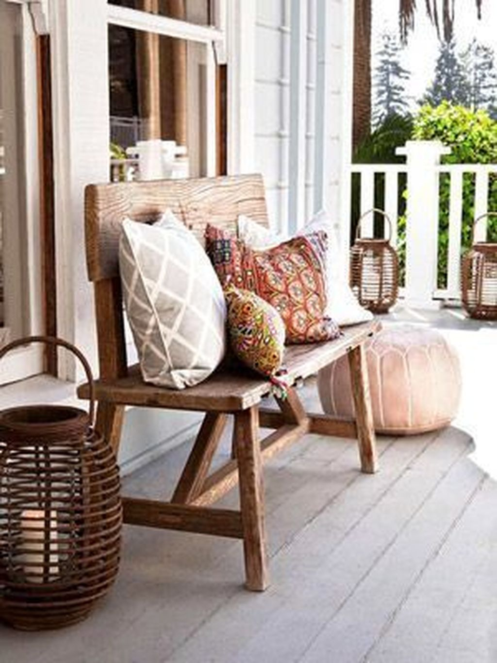 Inspiring Farmhouse Front Porch Decor Ideas 01