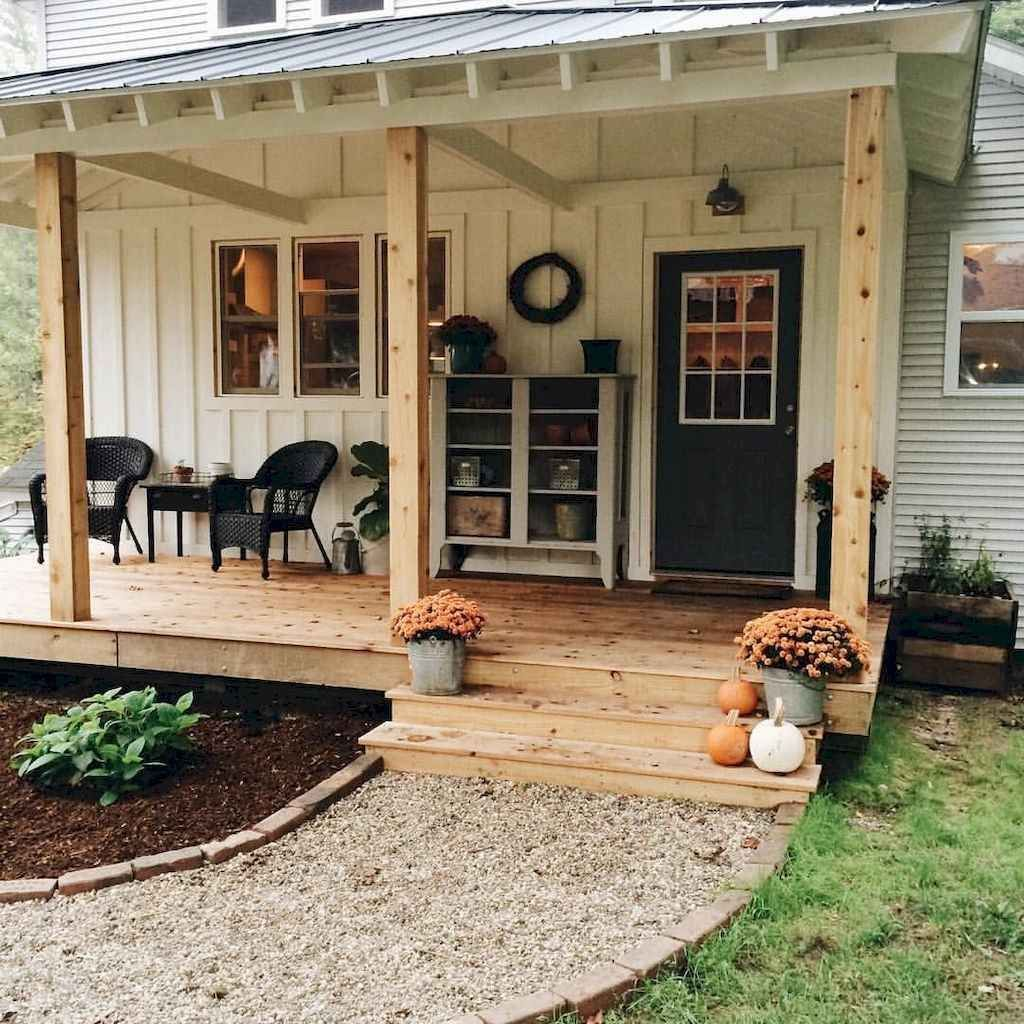Inspiring Farmhouse Front Porch Decor Ideas 13