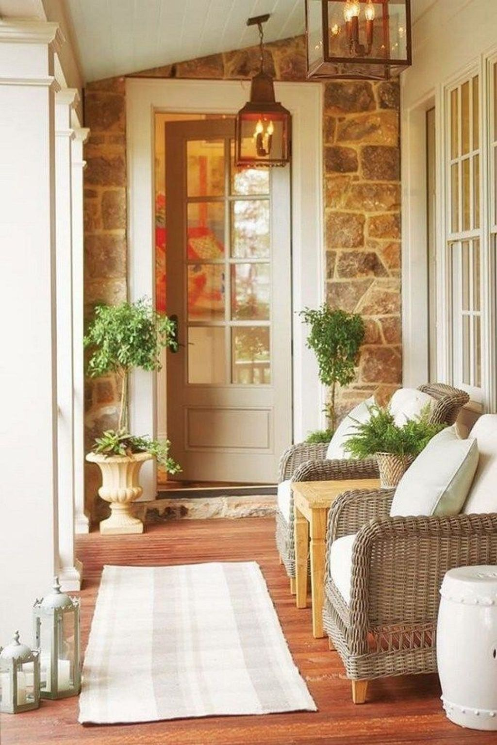 Inspiring Farmhouse Front Porch Decor Ideas 26