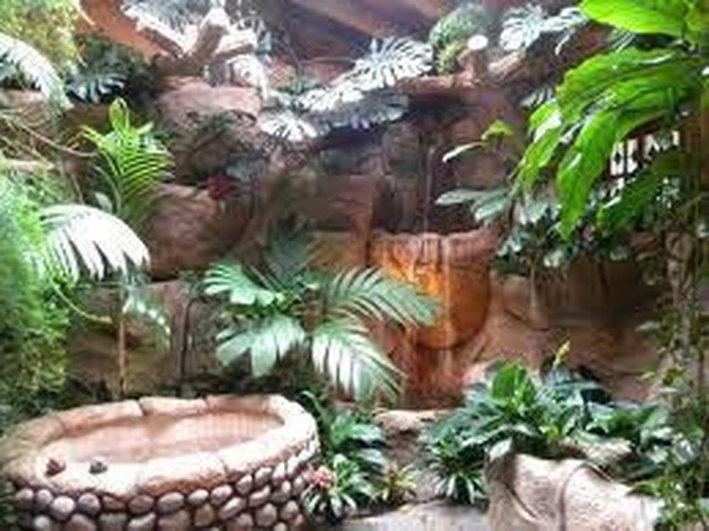 Inspiring Jungle Bathroom Decor Ideas 14