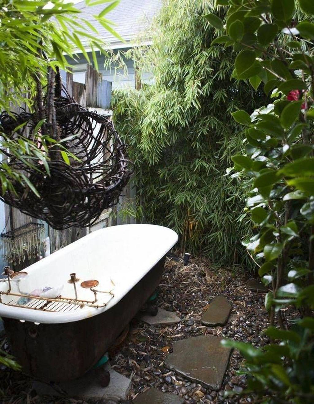 Inspiring Jungle Bathroom Decor Ideas 27