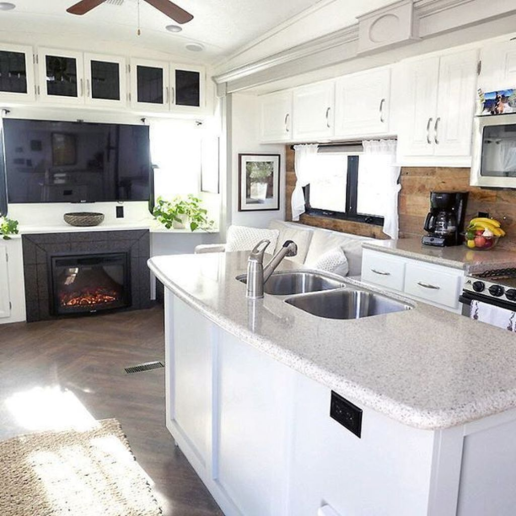 Inspiring RV Kitchen Design And Decor Ideas 30