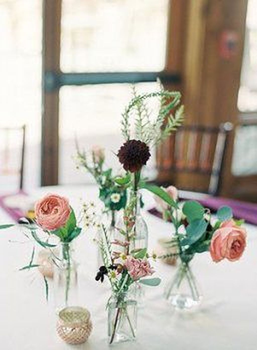Lovely Bud Vase Centerpiece Decor Ideas For Your Dining Table 06