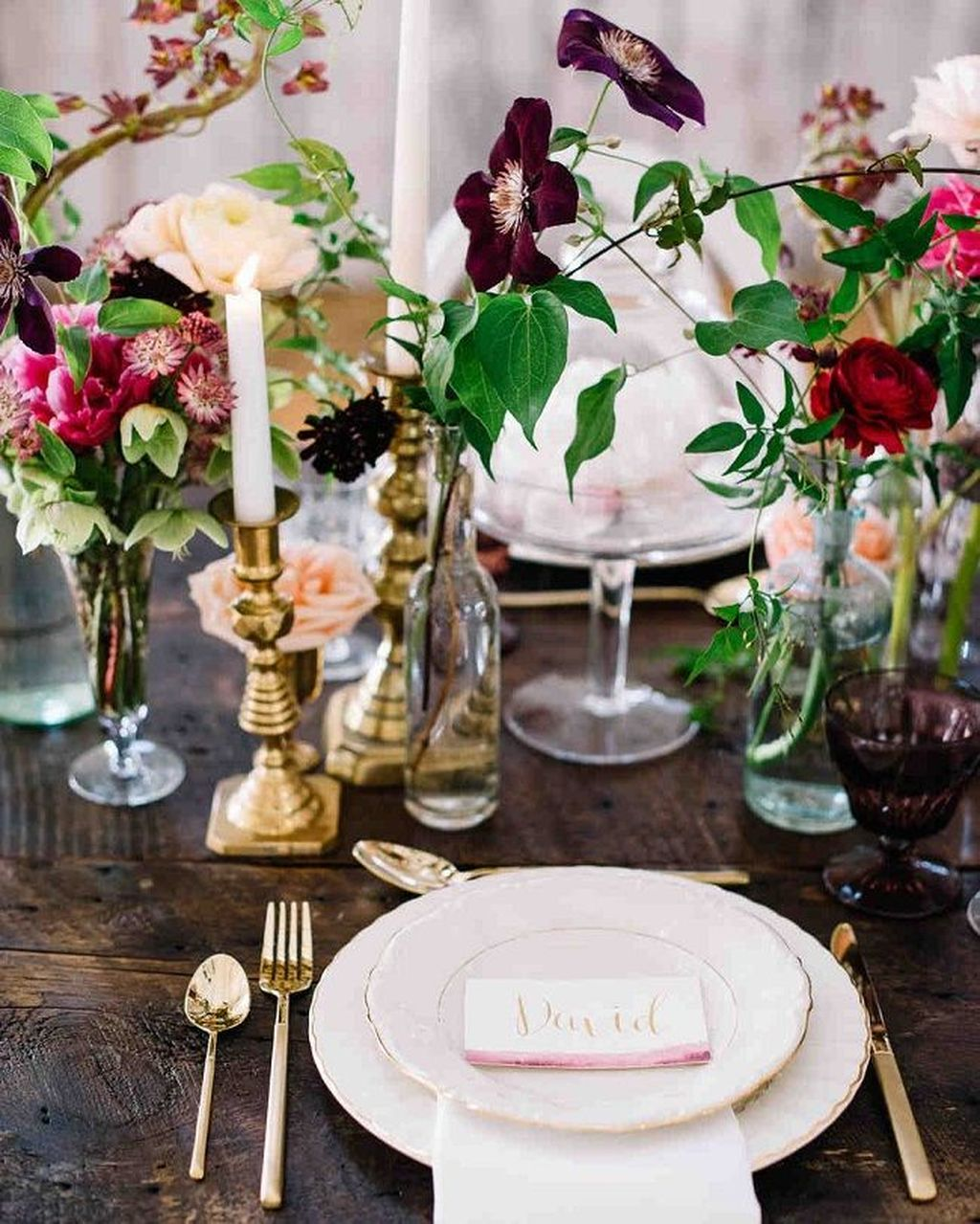 Lovely Bud Vase Centerpiece Decor Ideas For Your Dining Table 09