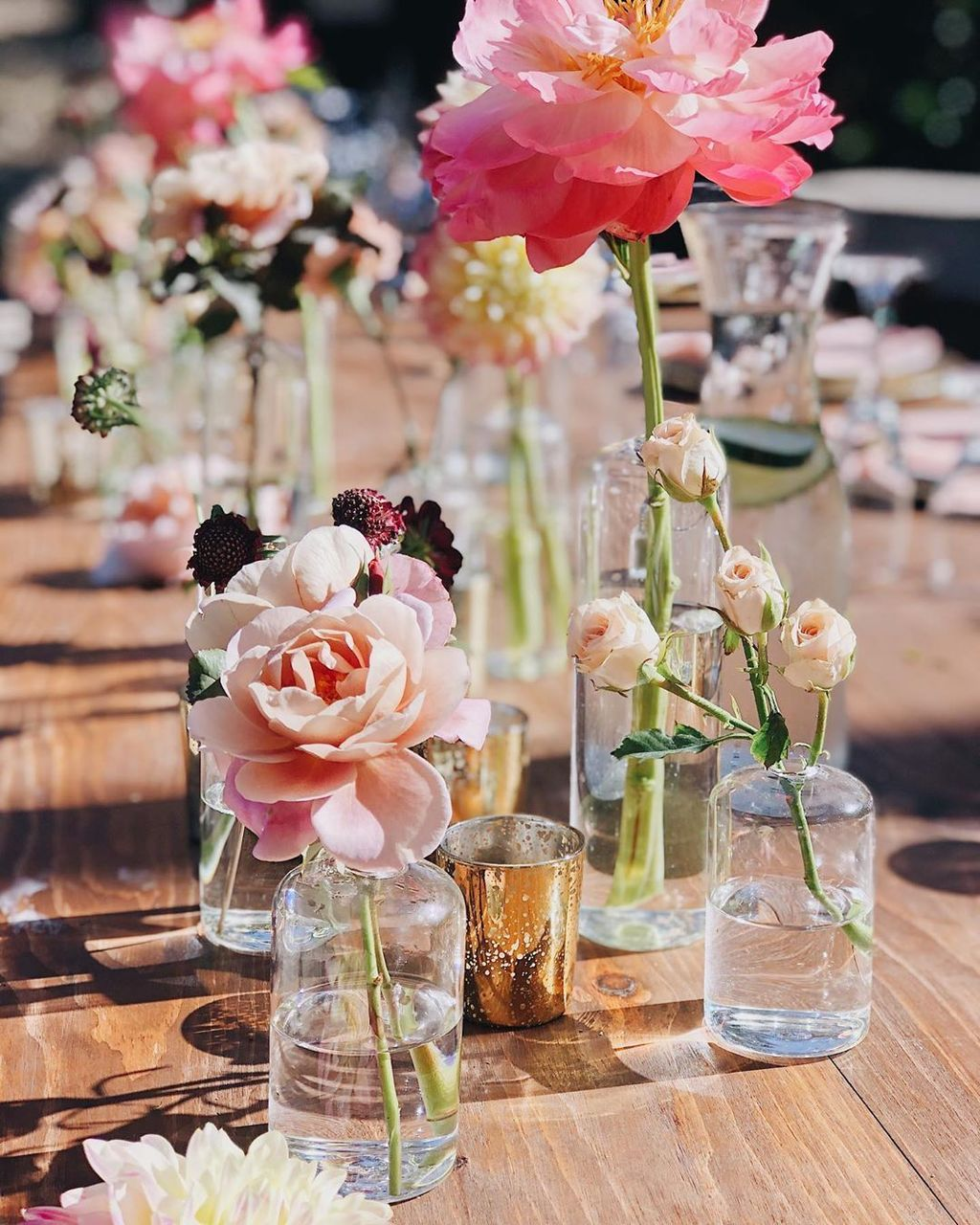 Lovely Bud Vase Centerpiece Decor Ideas For Your Dining Table 11