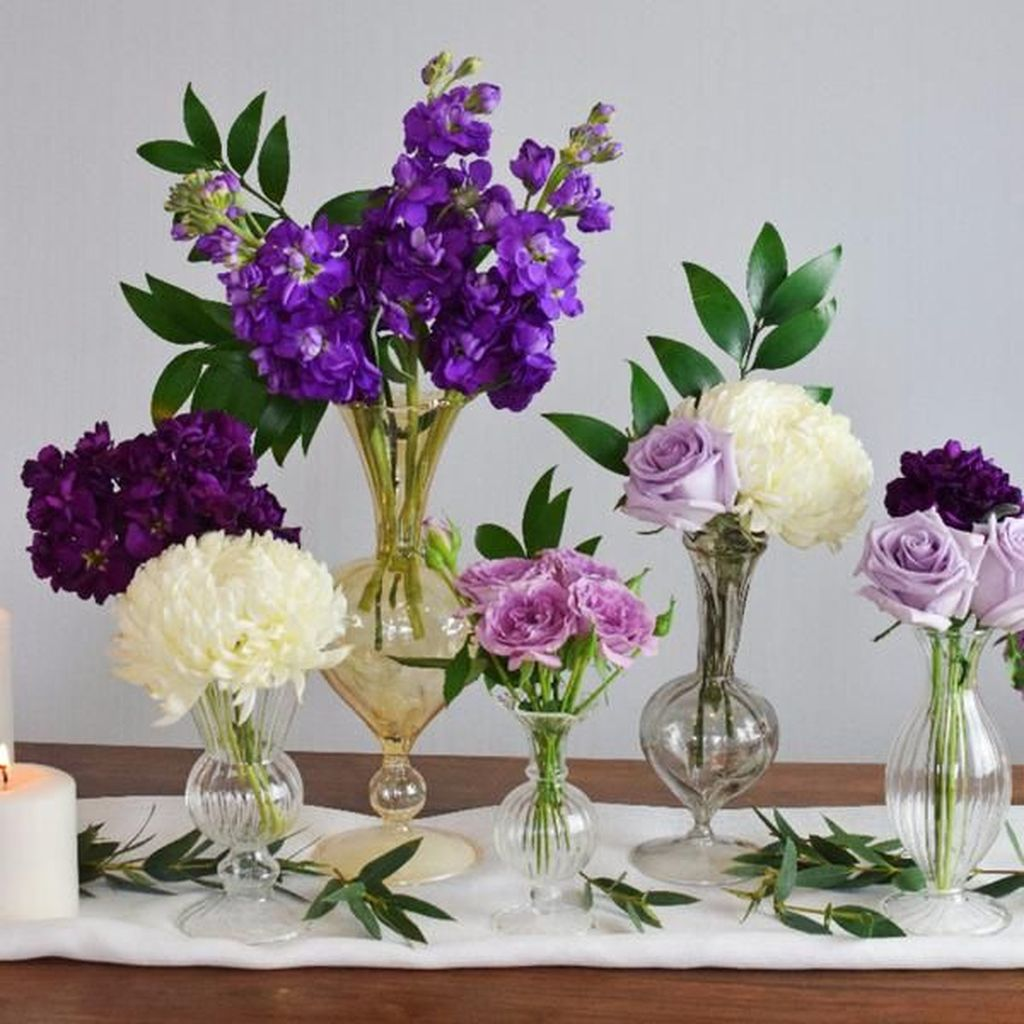 Lovely Bud Vase Centerpiece Decor Ideas For Your Dining Table 13