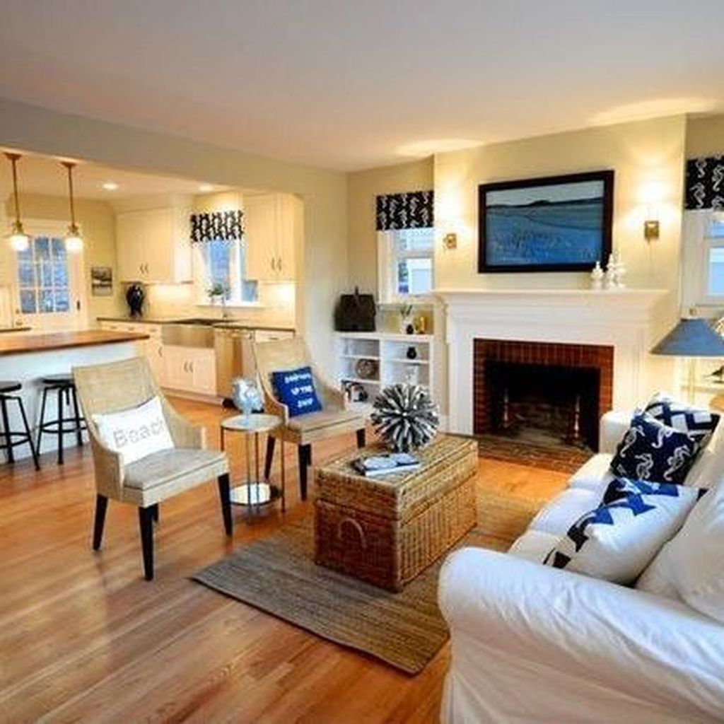 Lovely Capde Cod Living Room Design Ideas 08