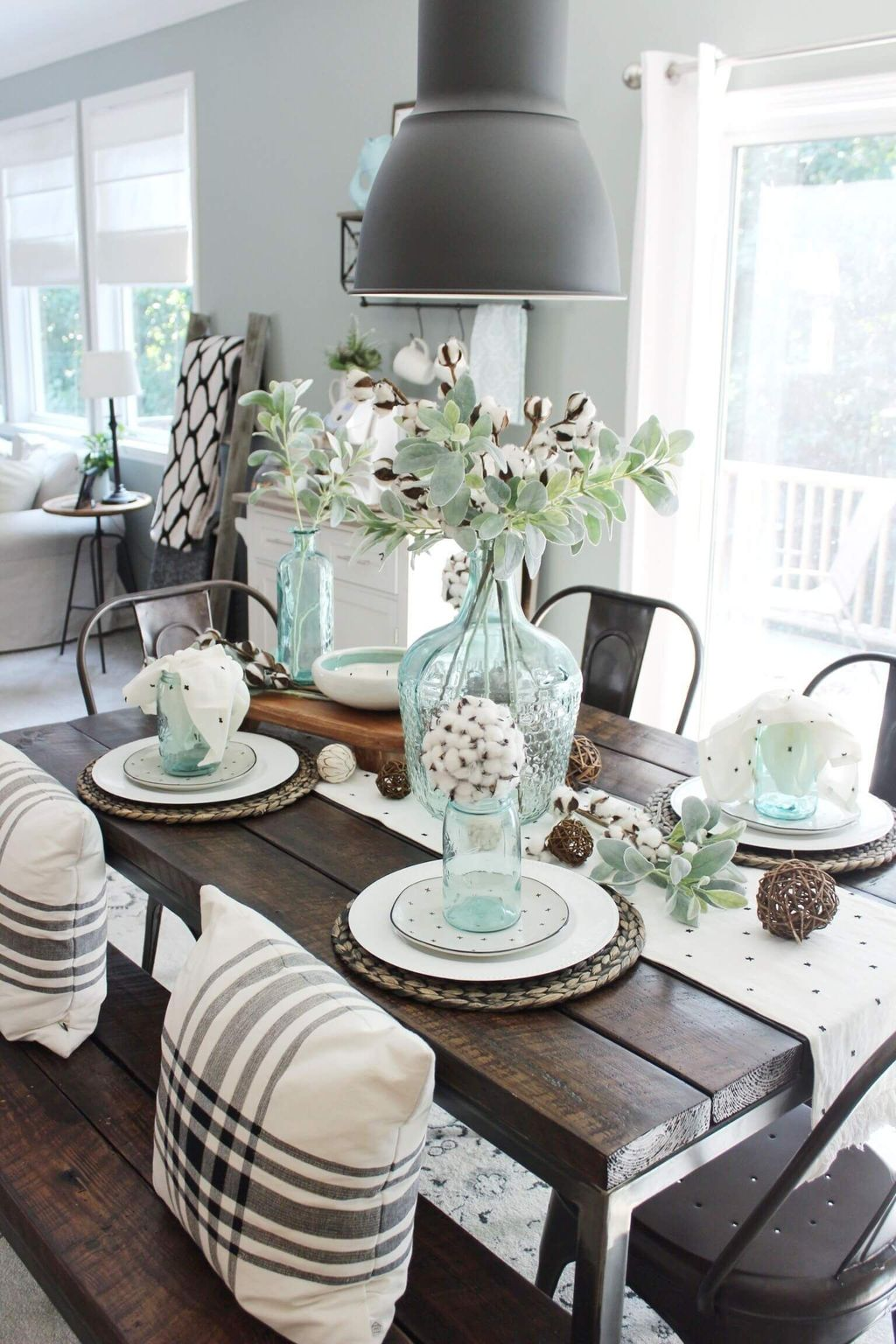 Lovely Family Dining Room Design And Decor Ideas 14