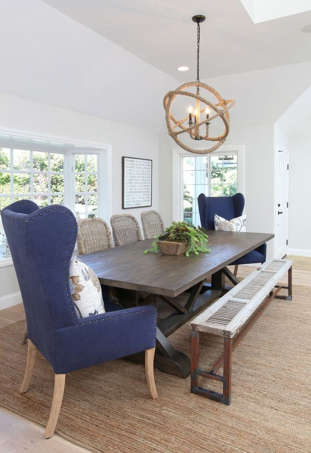 Lovely Family Dining Room Design And Decor Ideas 16