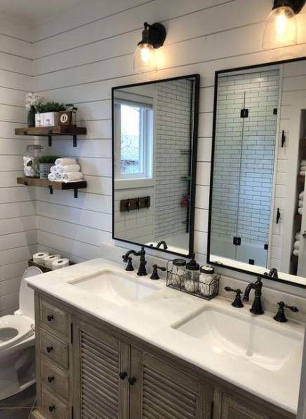 Lovely Farmhouse Bathroom Design Ideas 06