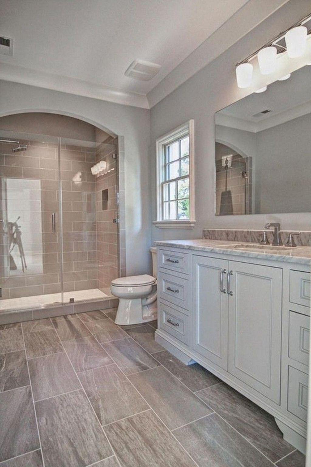Lovely Farmhouse Bathroom Design Ideas 10