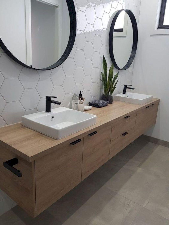 Lovely Farmhouse Bathroom Design Ideas 23